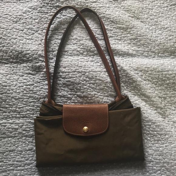 3a0b0490d21 Longchamp Handbags - Used longchamp olive tote